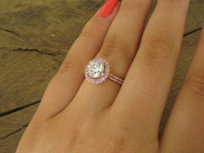 Pink sapphire and diamond red gold ring