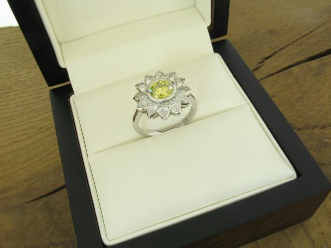 yellow-diamond-daisy-ring-ready-to-present